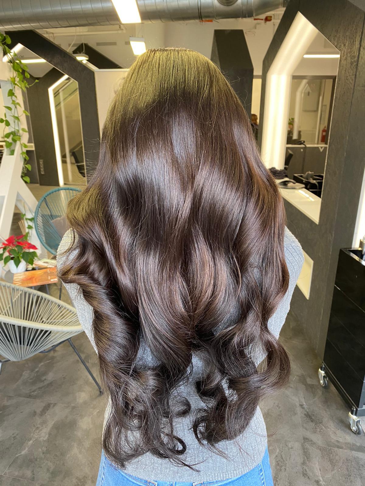 prodlouzene a zahustene vlasy